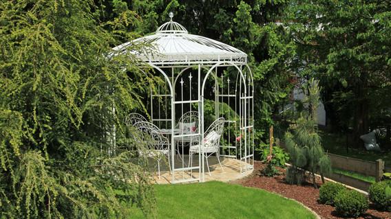 Pavillon aus Metall: Ein Hauch von Romantik | CampGarden